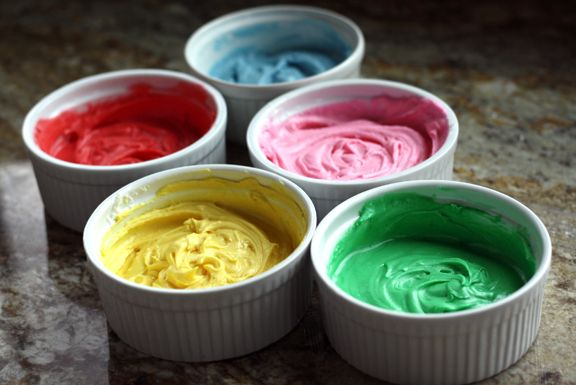 colored-icing-in-ramikins