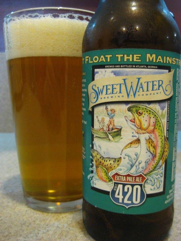 Cerveja Sweetwater 420 Extra Pale Ale, estilo American Pale Ale, produzida por Sweetwater Brewing, Estados Unidos. 5.4% ABV de álcool.