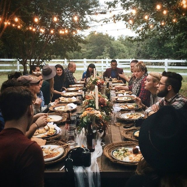 I want this a long table homemade food dreamy setting Backyard party table settings
