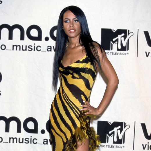 Aaliyah Throwback Style - 12 Throwback Photos of Aaliyah's Iconic Style…