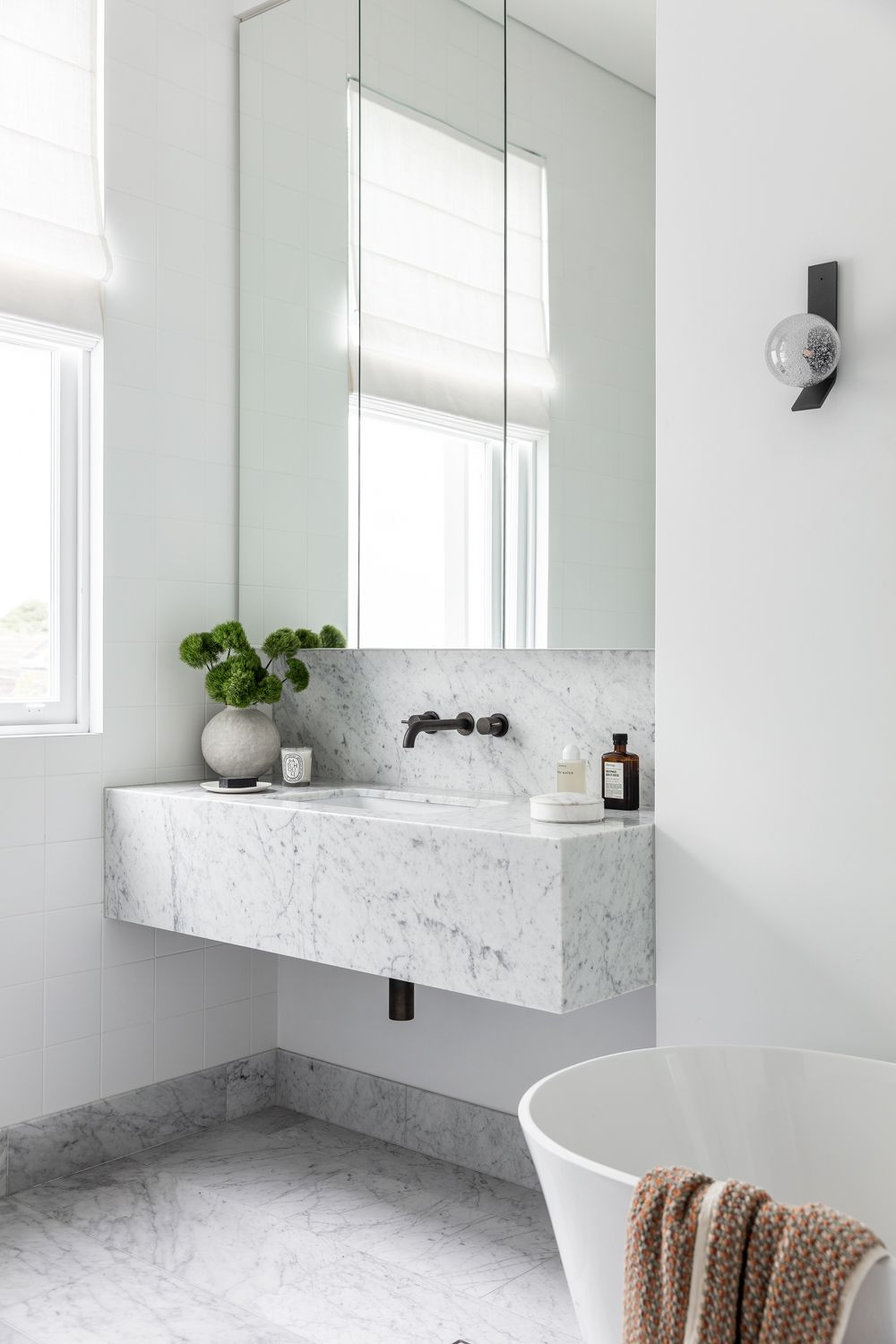 Pin By Ingrid Bender On 409 Oxford In 2020 Annandale House Victorian Terrace Bathroom Interior Design