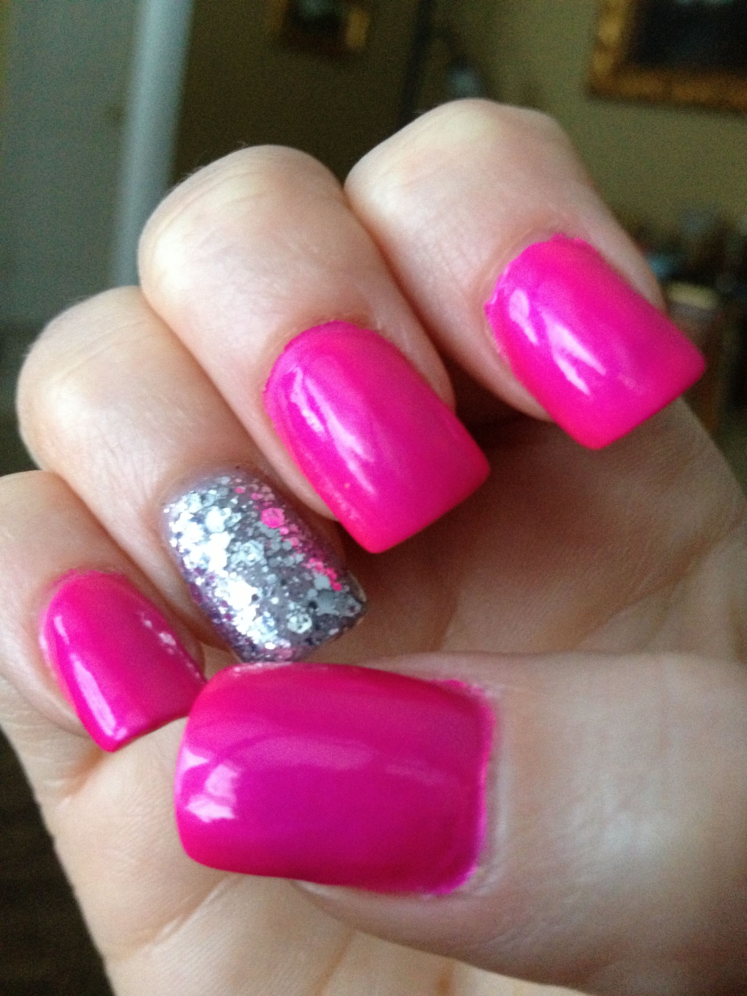 Pretty Nails; loving the accent bling nail!!