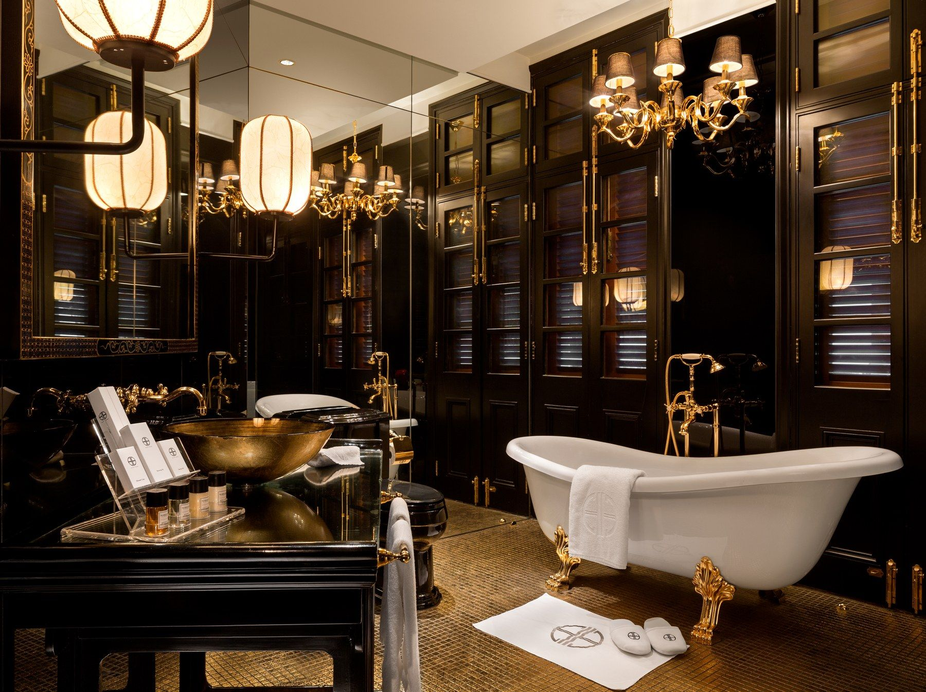 The 6 Most Luxurious Hotel Suites in Hong Kong
