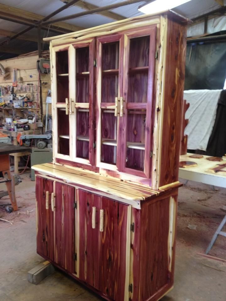Rustic cedar china hutch muebles rusticos pinterest for Importar muebles desde china