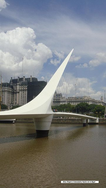 Puente de la Mujer, Calatrava, Buenos Aires. astrogeographic position: located in the constellation of the practical, functionalistic air sign Gemini the sign of bridges and connections and the creative, innovative spiritual air sign Aquarius the sign of the sky and flying and indicator for the outstretched white leg though not a female form a possible allusion to a woman`s leg (?). Valid for field level 4.