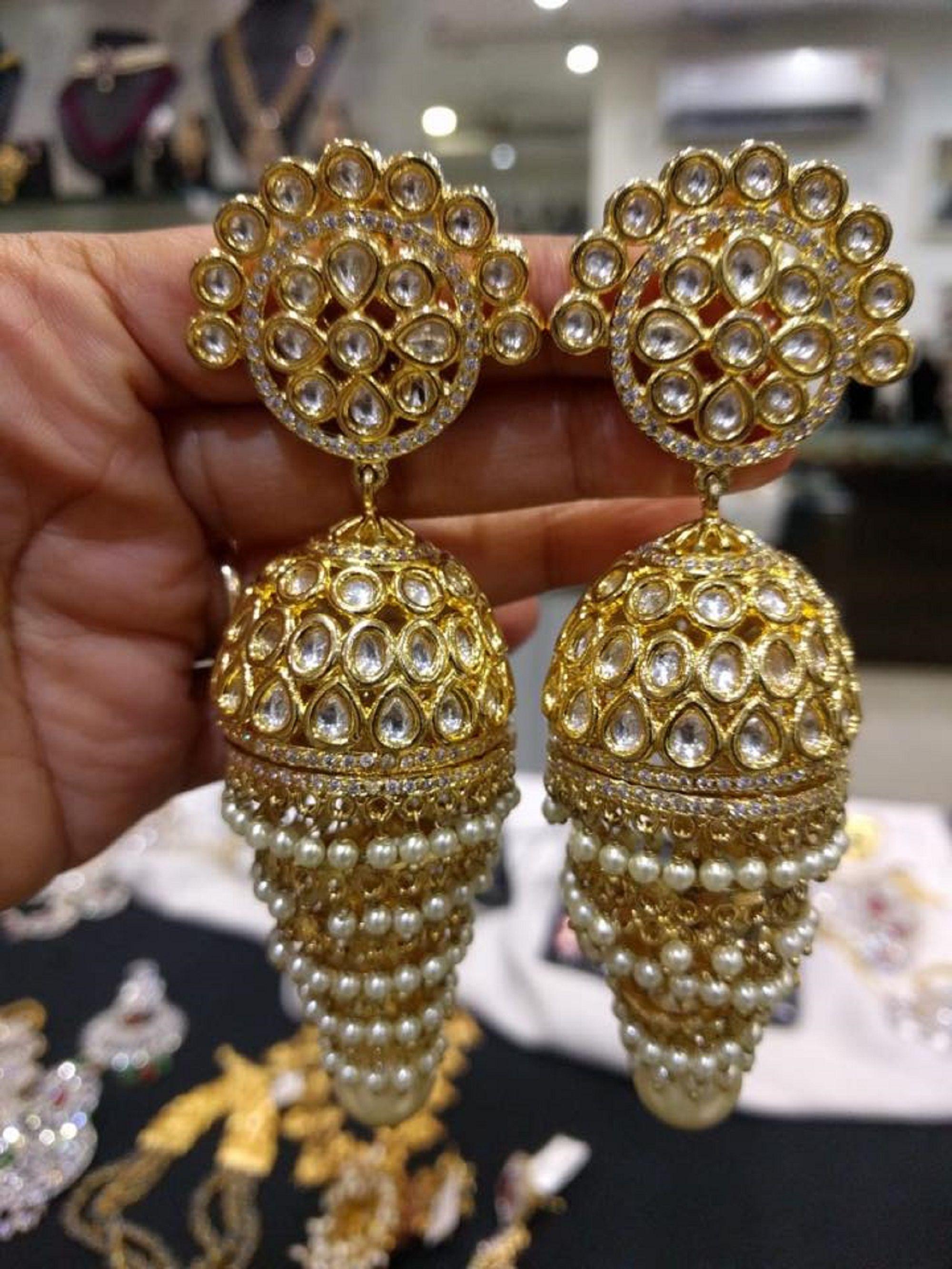 Pin By Ruma Hawkins On Jewelry In 2020 Indian Wedding Jewelry Gold Wedding Jewelry Bridal Jewellery Indian