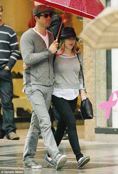 Scarlett Johansson Says It Was Hard Being Married To Another Actor Scarlett Johansson Scarlett Ryan Reynolds And Scarlett