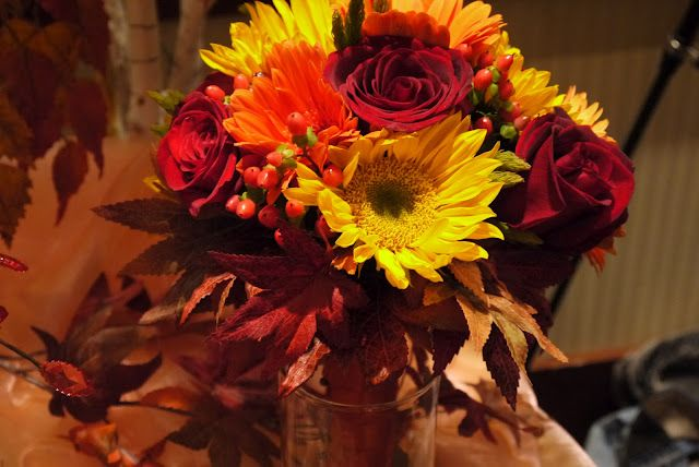 Gerbera Daisies, roses, Autumn, Best Wishes Florists, Sunflowers, wedding bouquet