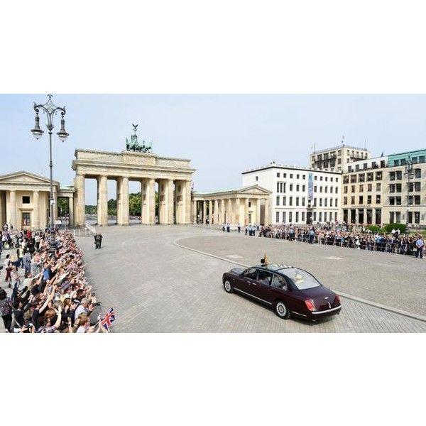 Die Queen in Berlin: Elizabeth II. beendet Staatsbesuch in Deutschland... ❤ liked on Polyvore featuring home and furniture
