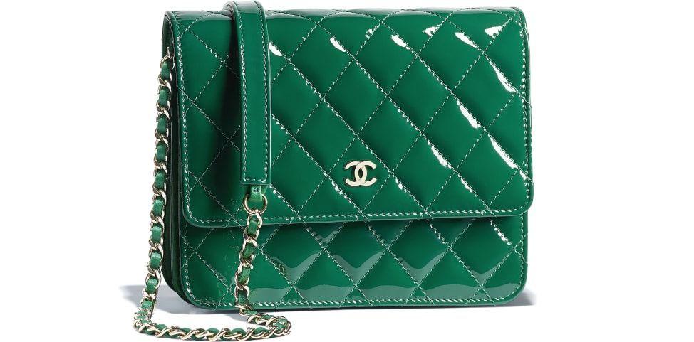 4d5de23e53cfcf Classic Wallet On Chain, patent calfskin & gold-tone metal, green - CHANEL