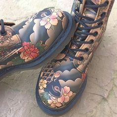 dr martens bottes chaussures asiatique carpe koi sakura fleurs cerisier fashion. Black Bedroom Furniture Sets. Home Design Ideas
