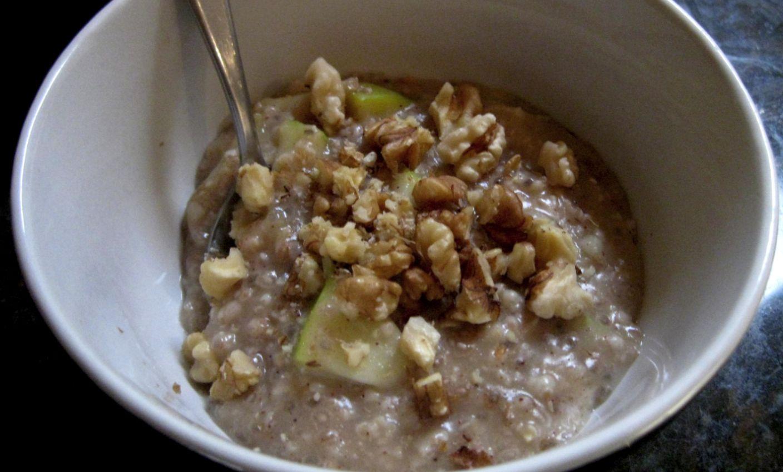 'Apple Pie' Porridge | Lesh Karan |Mindful lessons on eating & living well