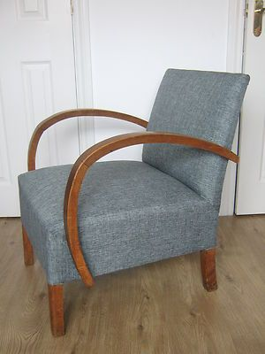 STYLISH VINTAGE RETRO ARMCHAIR CURVED WOODEN ARMS READING