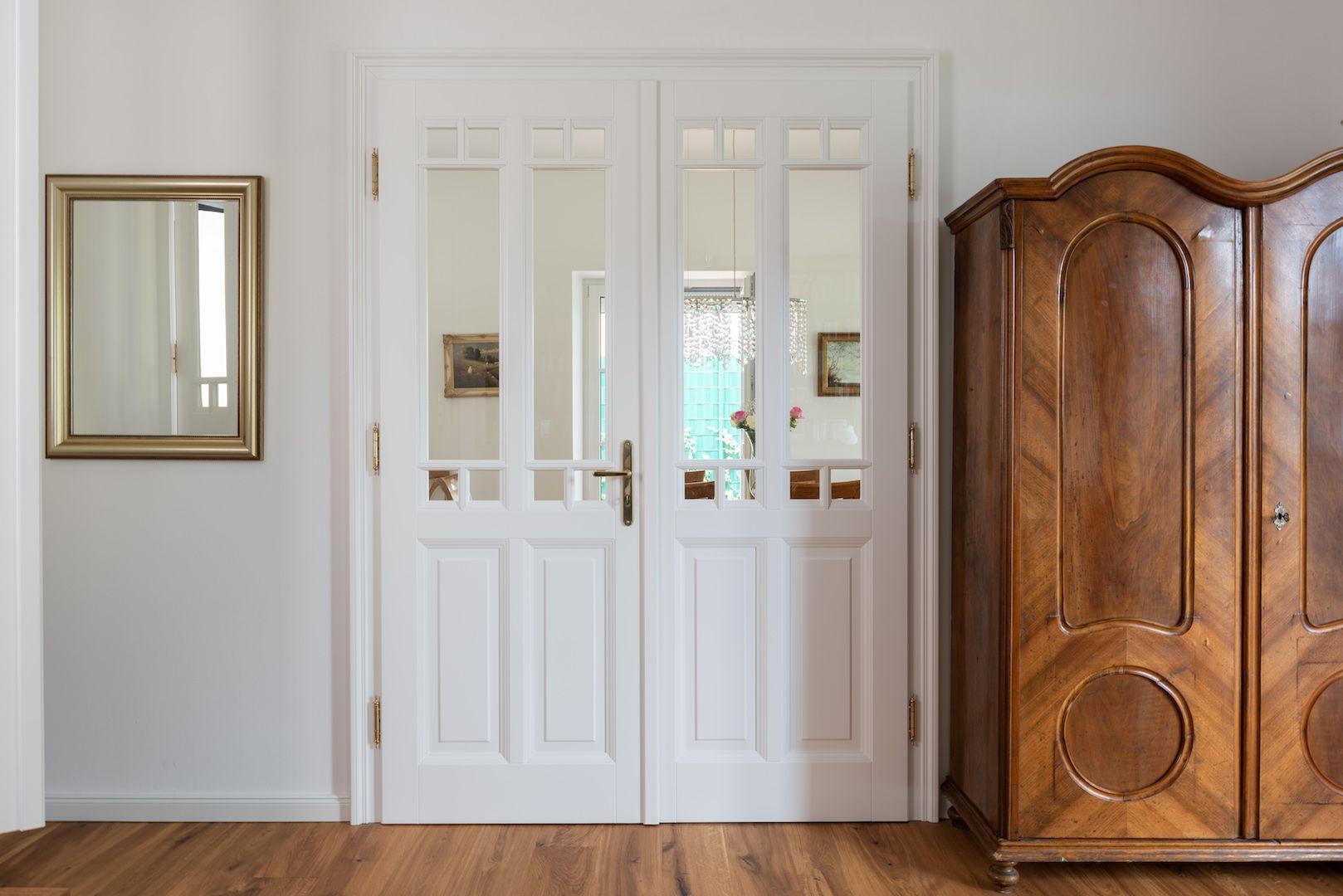 Massivholzture Weiss Mit Glaseinsatze Schiebetur Weiss Fenster Holz Innenturen