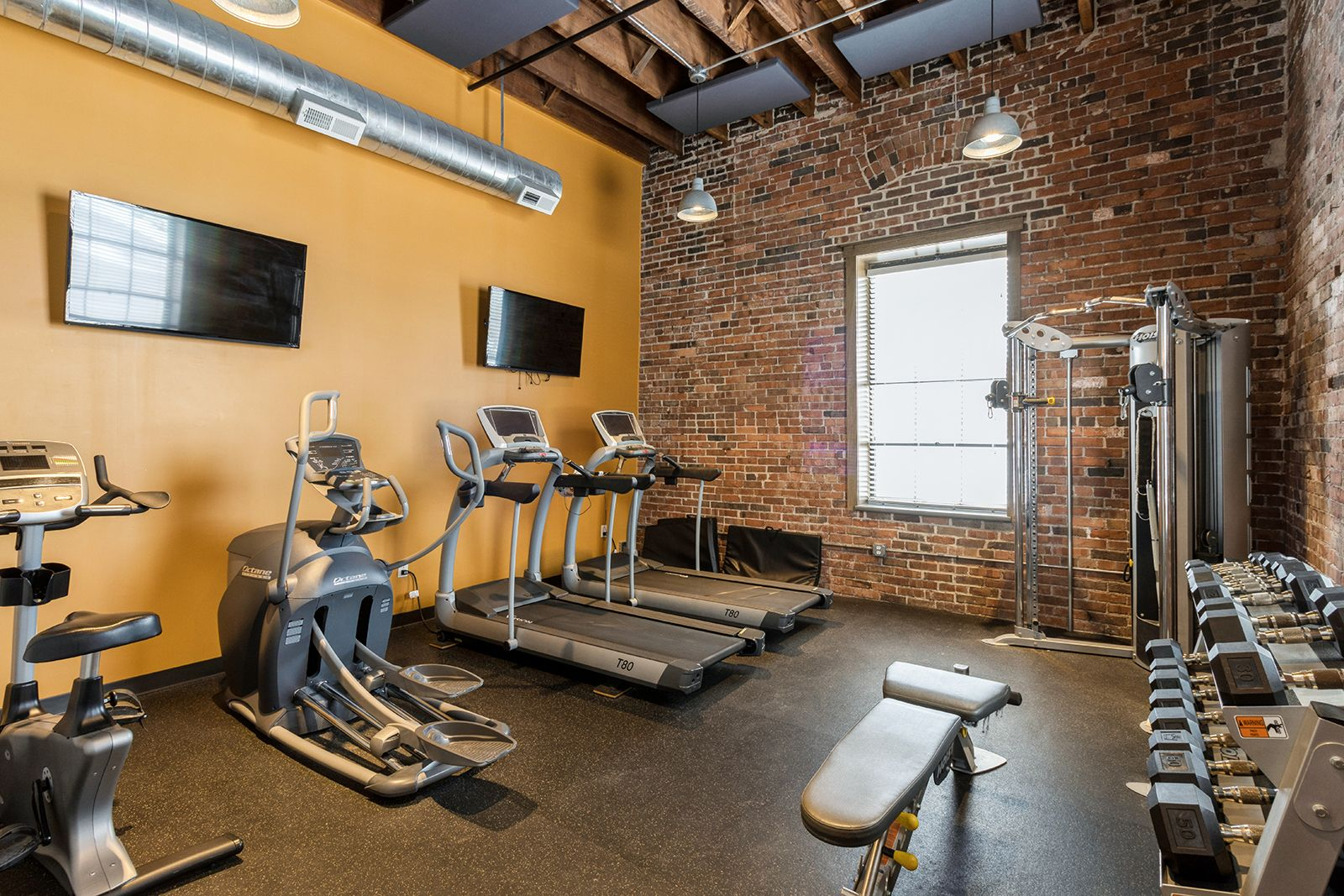 Our Community Amenities Include A Fitness Center Business Center And Rooftop Terrace With 360 Degree Views Of The Des Mo In 2021 Rooftop Terrace Home Decor Apartment