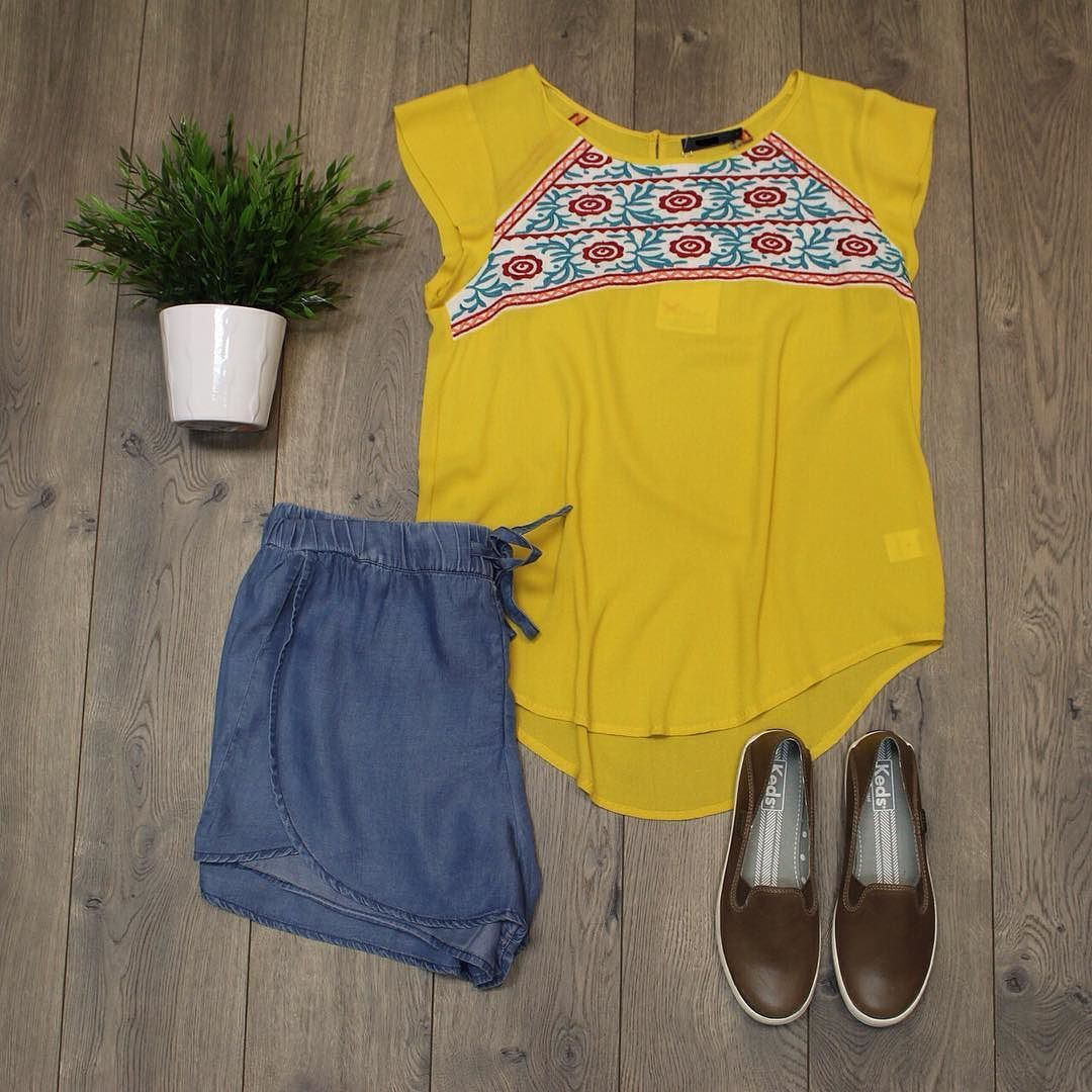 {Summer Brights} Shop these items online under shopable posts. www.shopelysian.com! Crashback Leather Brown Keds $66. online  in-store. Gigi Jogger Denim Short $44. online  in-store. NEW Sunrise Embroidery $50. online  in store #fashion #style #ootd #elysianlove #flatlay #summer #wiwt #keds #kedsstyle http://ift.tt/1Tvw4Zn {Summer Brights} Shop these items online under shopable posts. www.shopelysian.com! Crashback Leather Brown Keds $66. online  in-store. Gigi Jogger Denim Short $44. online…