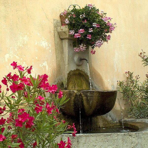 wall fountain for courtyard entrance | backyard ideas | Pinterest ...