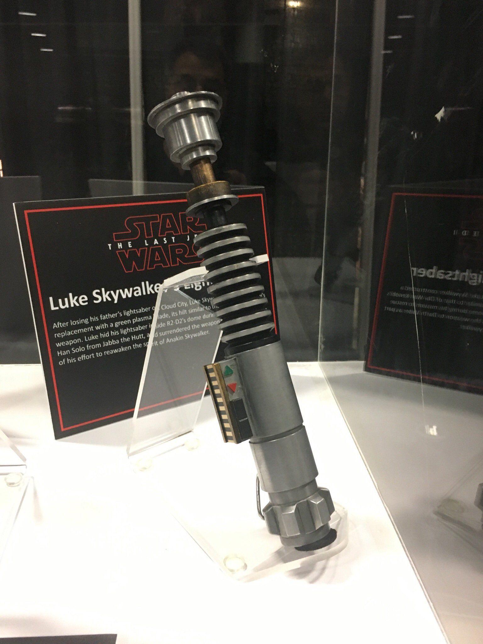 Star Wars The Last Jedi Rey Lightsaber Prop