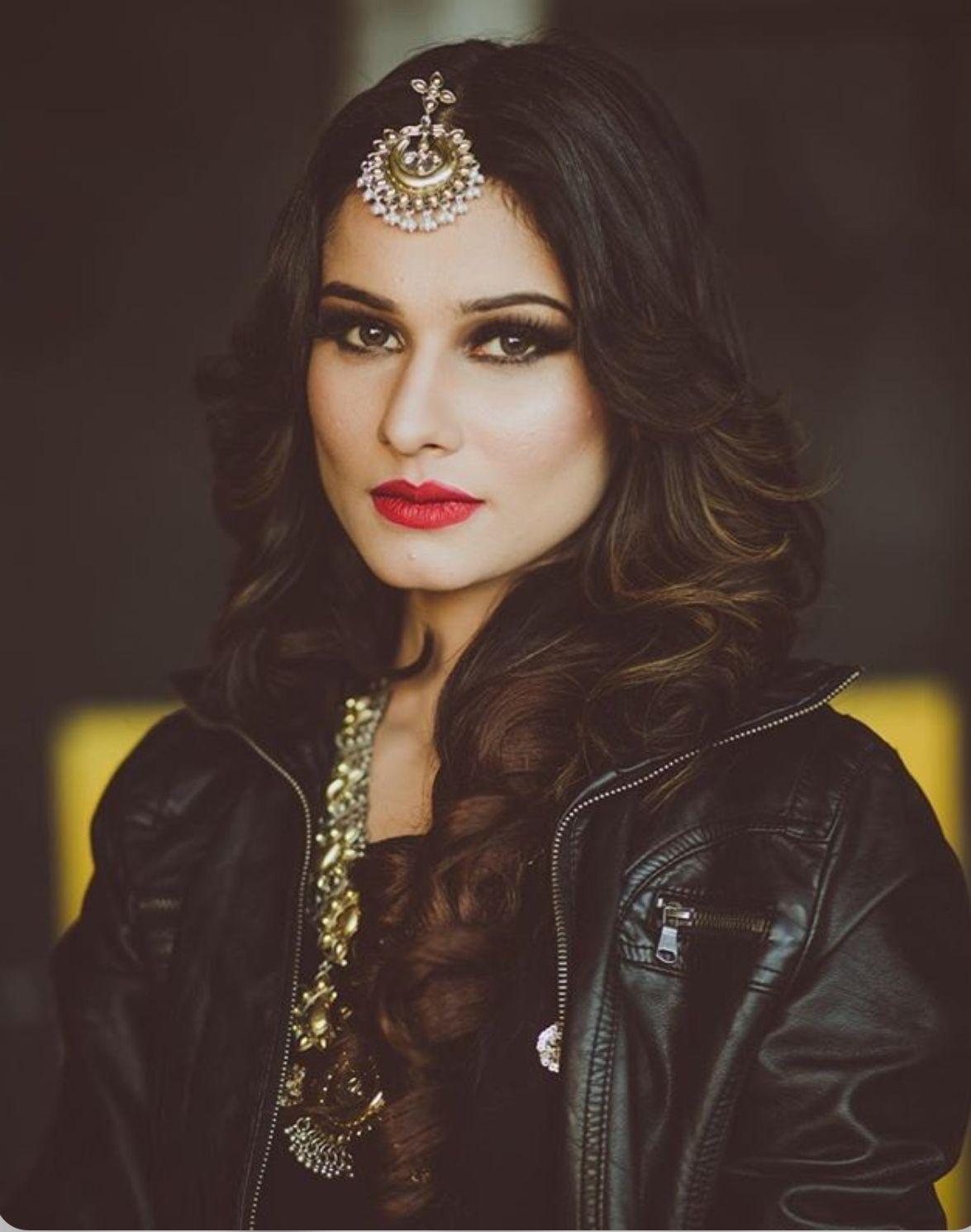Pin by Sana:) on TV stars | Crown jewelry, Beautiful, Jewelry