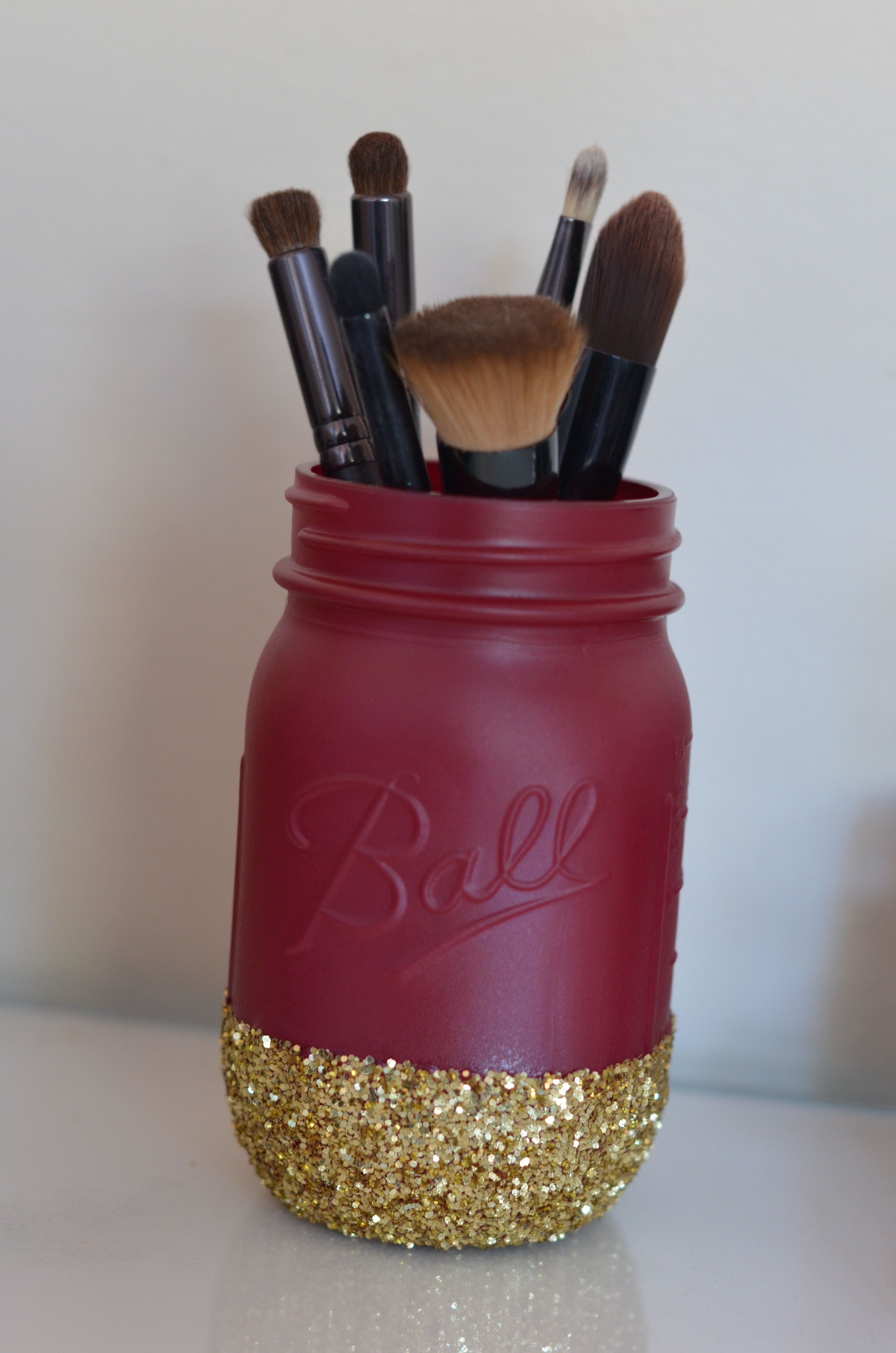 Mason Jar Brush Holder Diy makeup brush holder, Diy