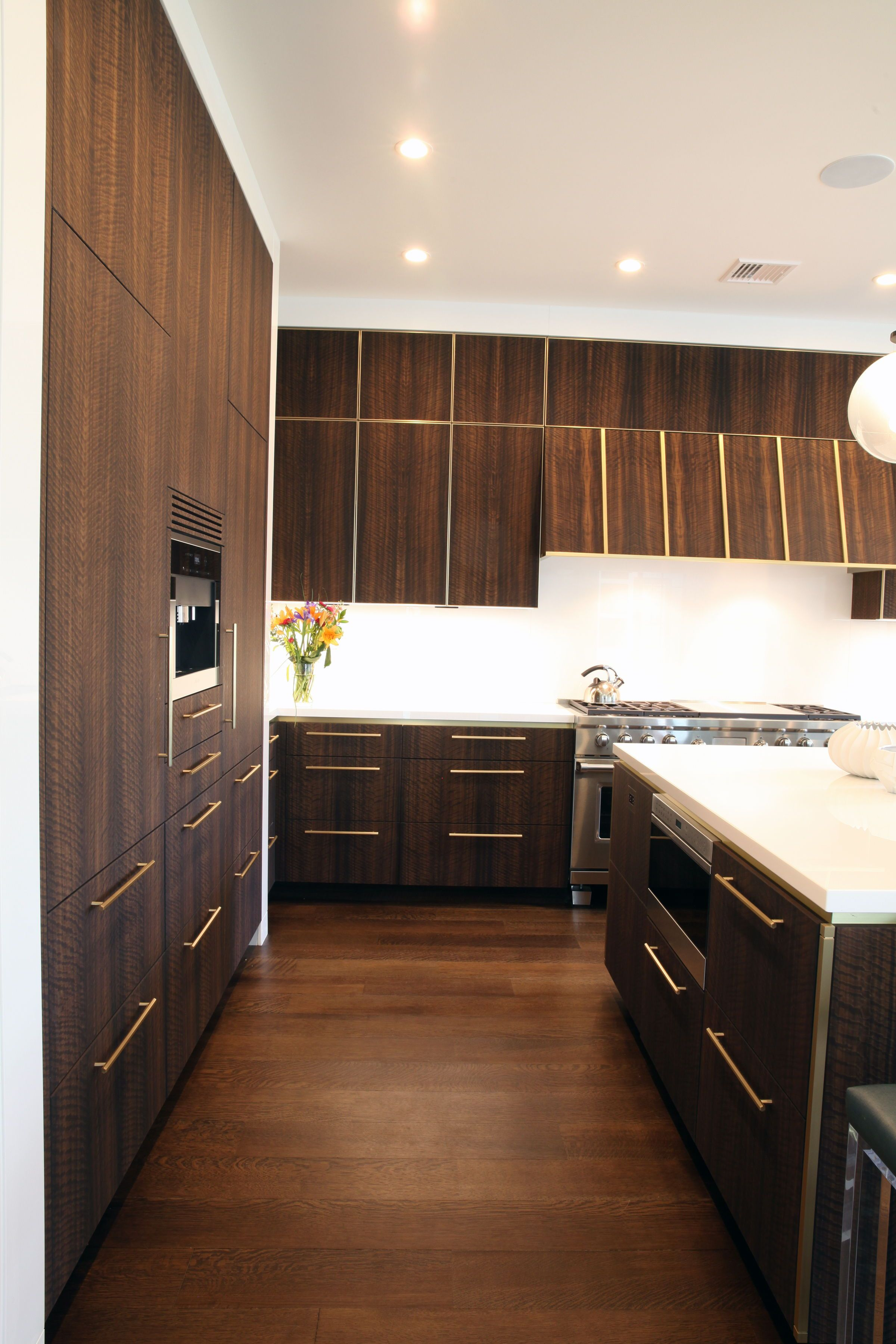 Modern Luxury Kitchen Soft Touch Eucalyptus Satin Brass Finish Westfield Nj Outdoor Kitchen Design Luxury Kitchens Kitchen Design