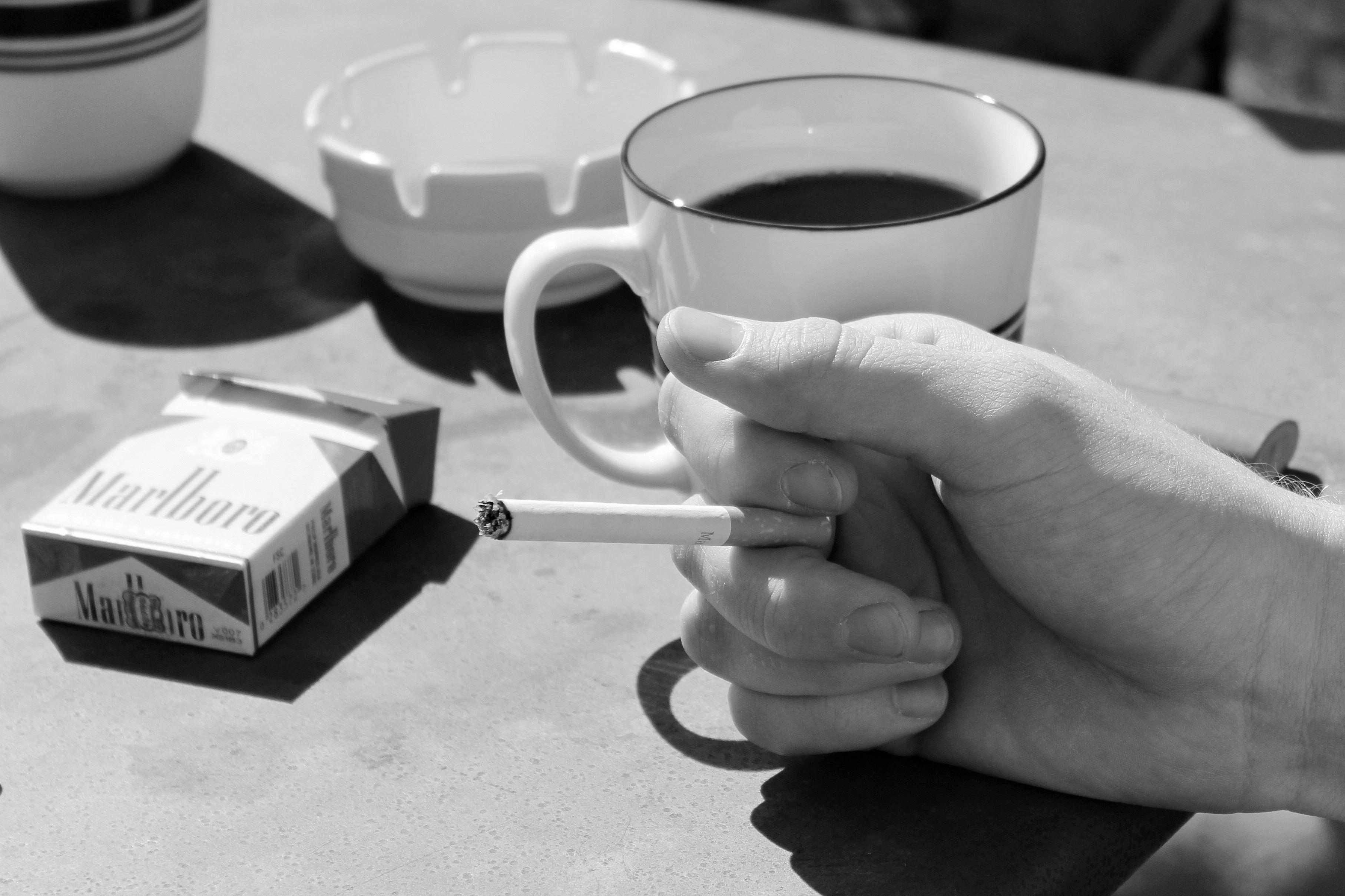 сегодня картинки на телефон кофе сигареты также ней
