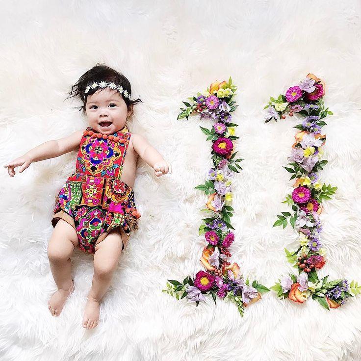 Monthly Milestone Photo Idea Monthly Baby Photos Monthly Baby Pictures Baby Month By Month
