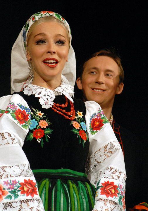 Mazowsze: piękne kobiety i międzynarodowe trasy koncertowe - Muzyka
