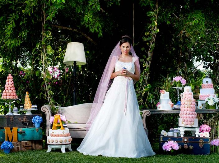 Moda de ensueño plasmada en escenarios fanatásticos.  #ebodas #boda #vestido #tendencias #foto #ajuarnupcial