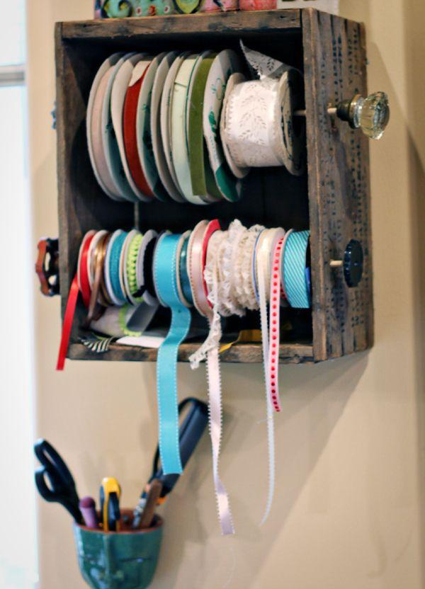DIY: ribbon holder