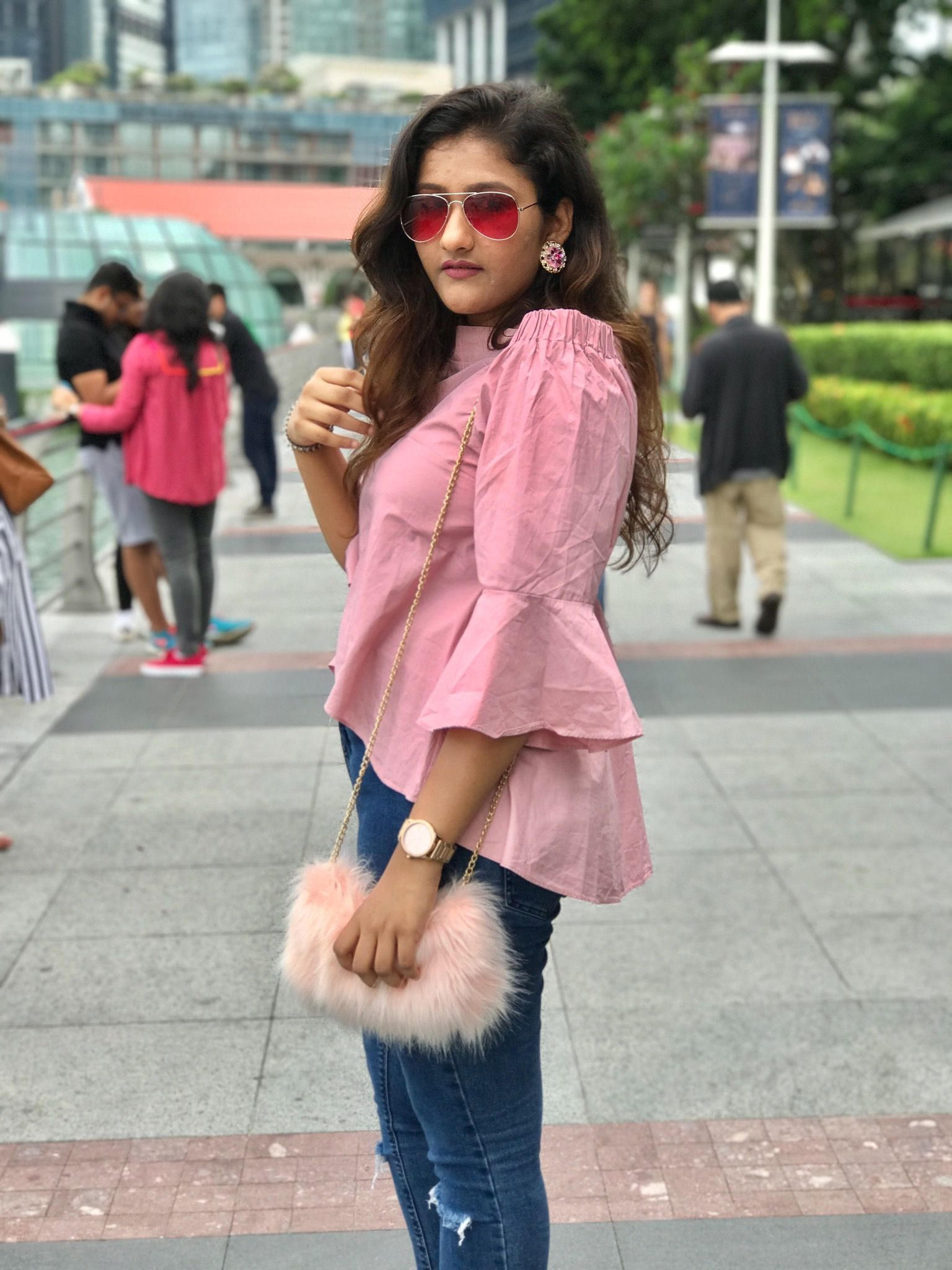 Pink top, off shoulder, casual ootd, chic outfit ideas ...