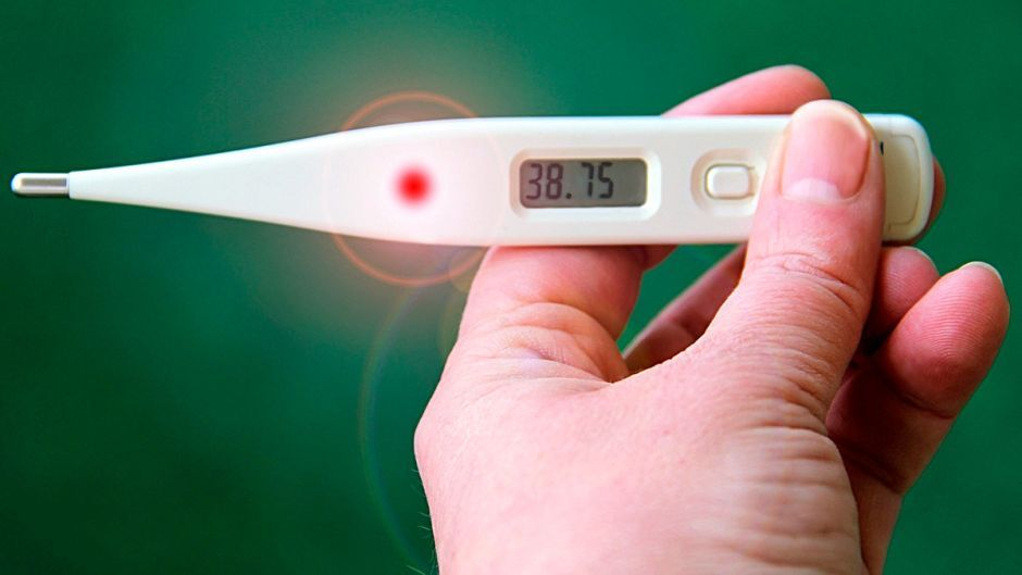 Chinese Food Restaurant In Los Angeles Denies Entry To Customers Until The Temperature Is Taken In 2020 Home Remedies For Fever Normal Body Temperature Thermometer