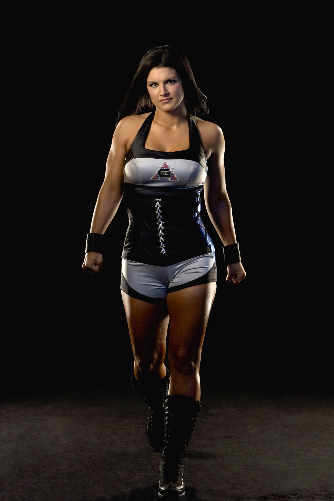 Pin By Aedrien Macayle On Gina Carano Should Ve Been Wonder Woman Fact Female Mma Fighters Mma Women Female Fighter