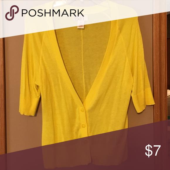 Yellow 3/4 length sleeve cardigan Yellow 3/4 length sleeves cardigan SO Sweaters Cardigans