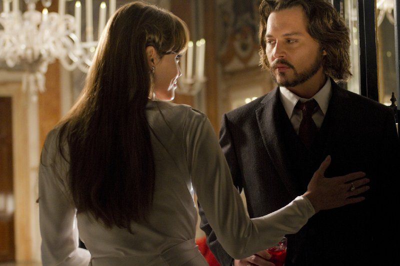 Still Of Johnny Depp And Angelina Jolie In The Tourist With
