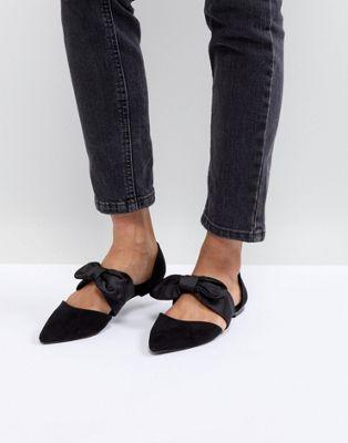 86a9f2f4a48 Bershka Bow Tie Pointed Flat Shoe