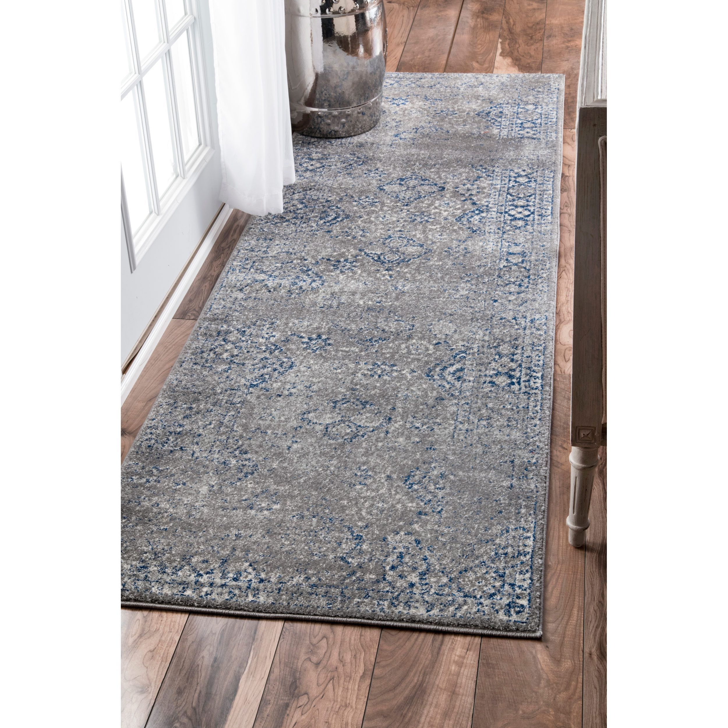 nuLOOM Traditional Distressed Grey Runner Rug 2 8 x 8