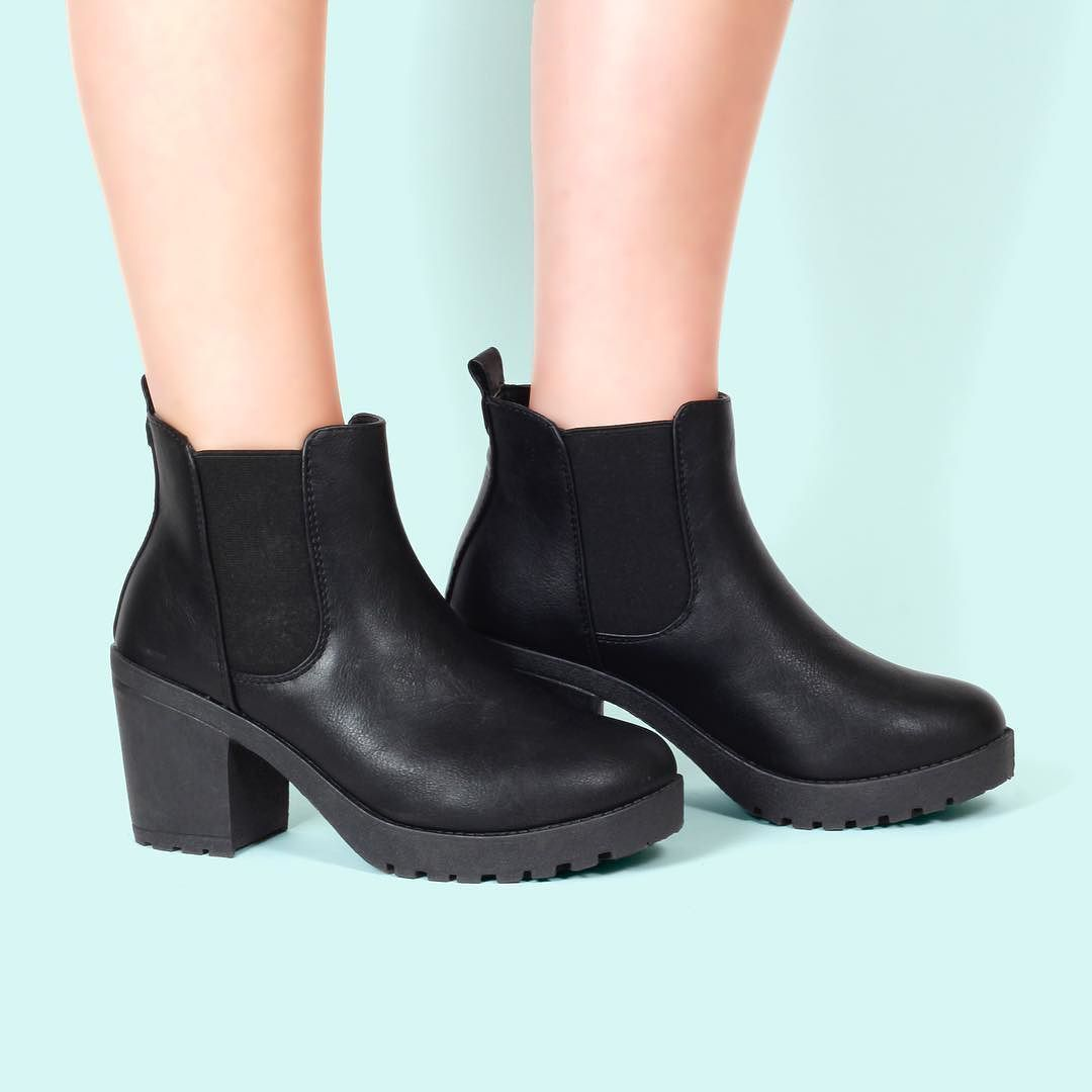 121833515b16 These babies are back in stock TORI9 BPU    34.99    Link in description   Korkys  korkysshoes