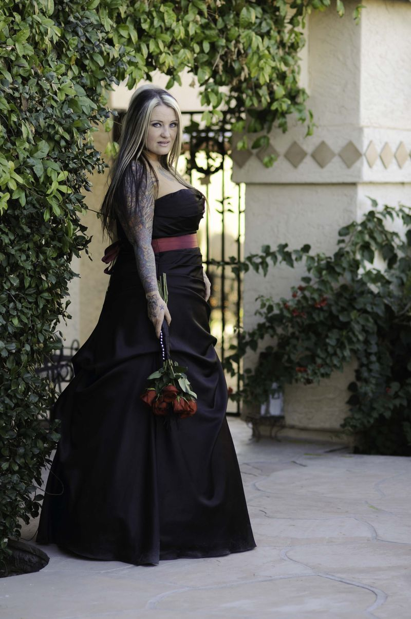Yes! Perfect Black Bridal Gown!