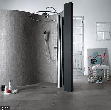 Salle de bain italienne mosaïque, teck ou galet | Salle de bain ...