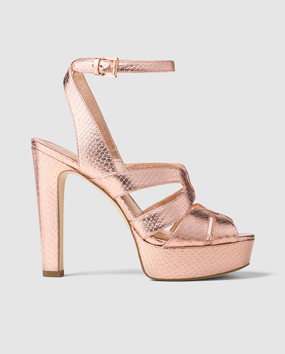 e2254928ed7 Sandalias de tacón de mujer Michael Kors de piel metalizada en color oro  rosa. Modelo WINONA ANKLE STRAP. · MICHAEL Michael Kors · Moda · El Corte  Inglés