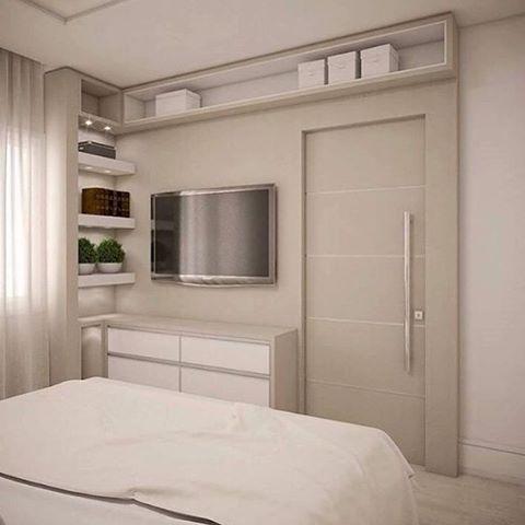 Onde colocar a tv no quarto de casal pequeno