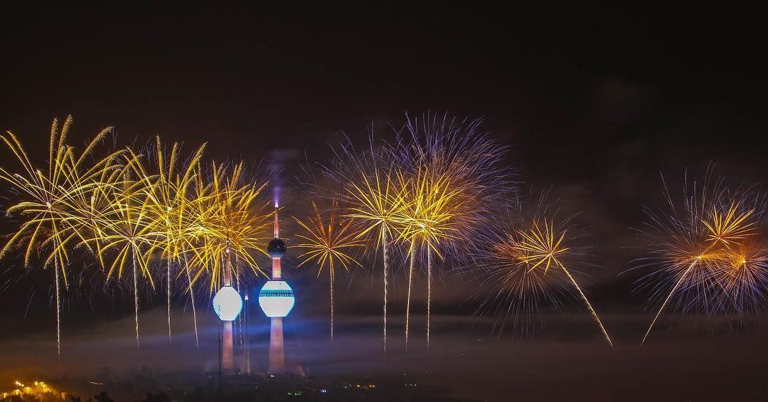 Kuwaitnews كويت نيوز On Instagram الكويت الألعاب النارية الجزء باحتفال كويت العطاء بمناسبة الاعياد الوطنية وافتتاح أبر Instagram Posts Instagram Plants