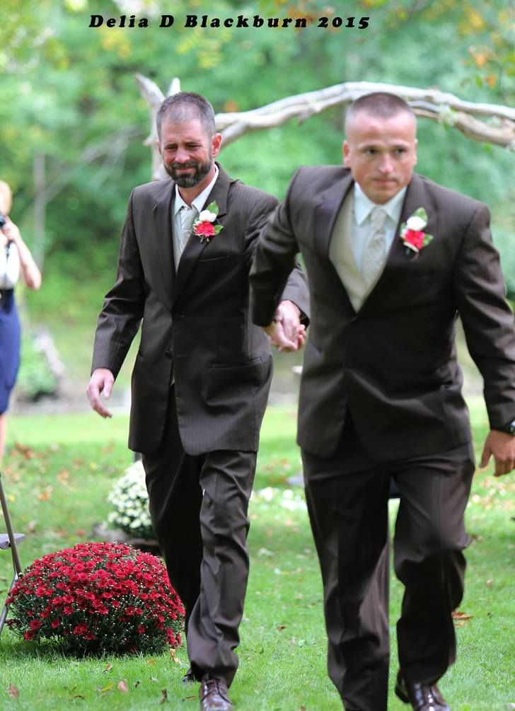 Father of bride stops wedding to bring stepdad up front - Imgur