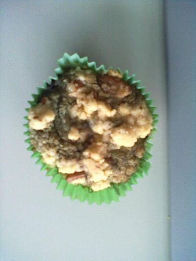 Auch Mimi macht zum ersten Mal mit: mit einem Heidelbeer-Streusel-Muffin.  http://mimis-fairycakes.blogspot.de/2012/08/fairy-cake-of-day-vegen-wednesday-der.html
