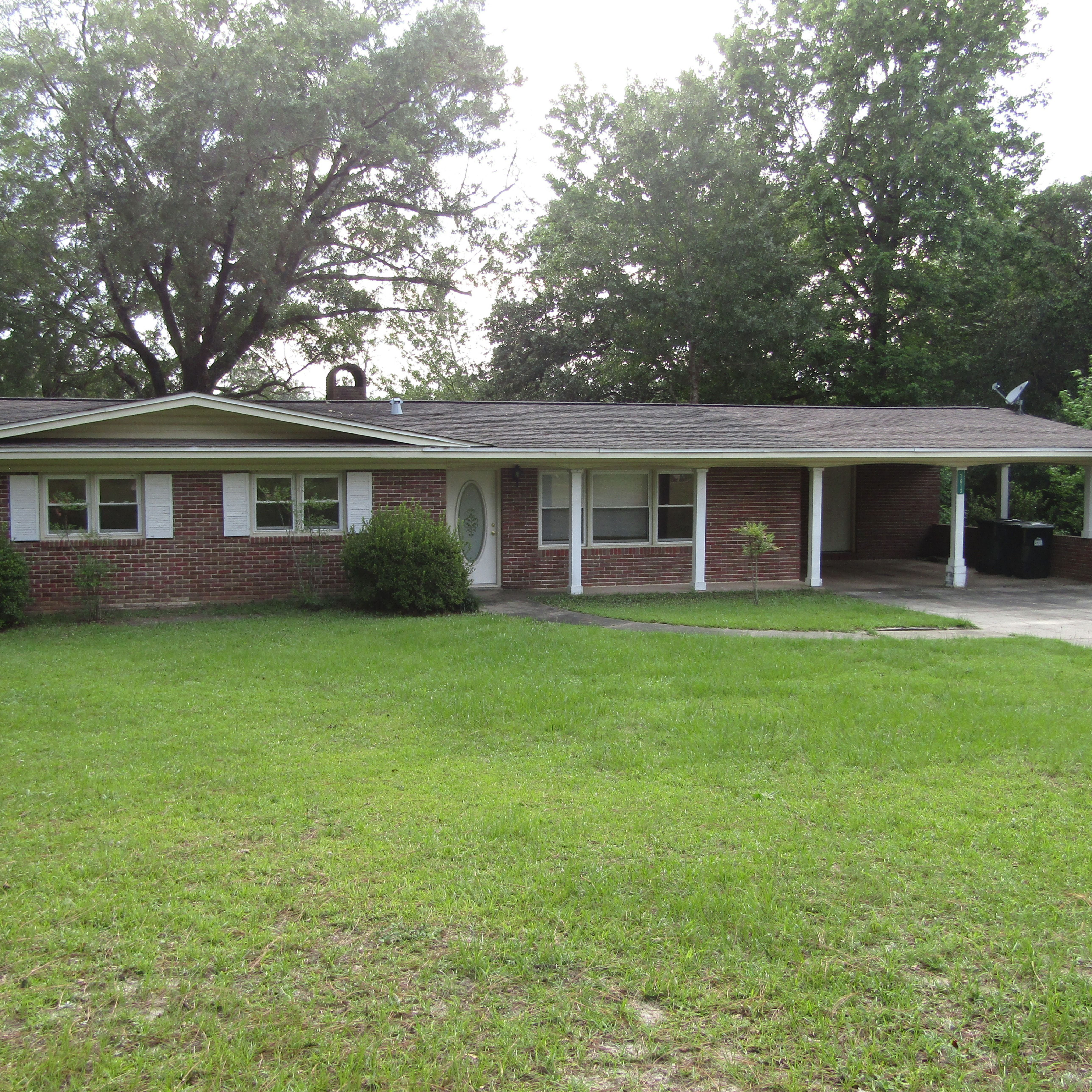 Brick Ranch Home 150 Ft Waterfront w/1300 unfinished