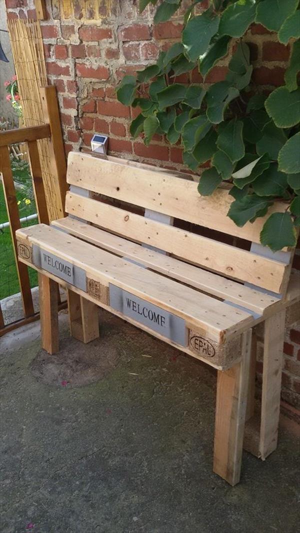 8 diy outdoor pallet sitting furniture ideas outdoor benches outdoor pallet and furniture ideas. Black Bedroom Furniture Sets. Home Design Ideas
