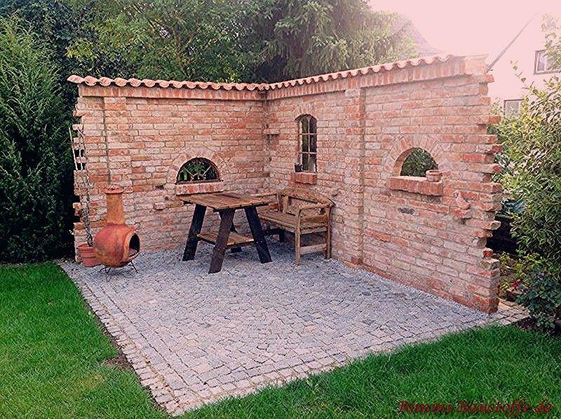 Photo of Grillplatz und Sitzecke geschuetzt durch eine mediterran angehauchte Gartenmauer – My Blog