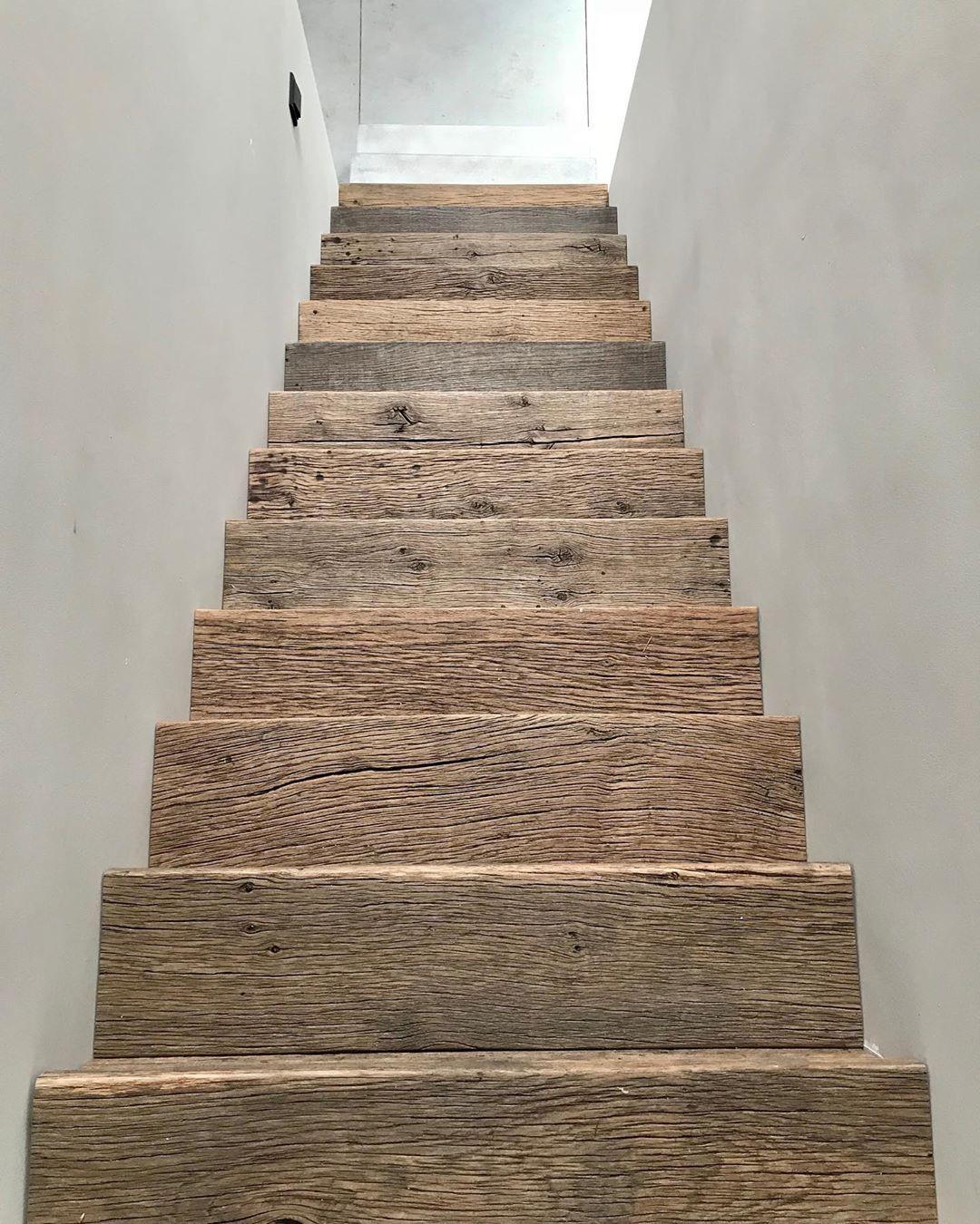 """ÇA-VA! interieur on Instagram: """"Maatwerk in oud hout. #interieurontwerp #maatwerkinterieur #maatwerk #oudhout #reclaimedwood #boisancien #concrete #handgemaaktetrap…"""""""