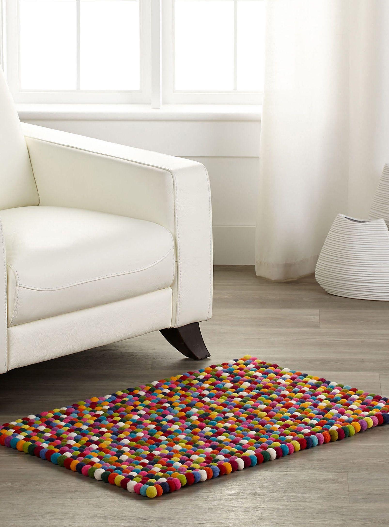 Wool pompom floor mat 60 x 90 cm Simons Maison